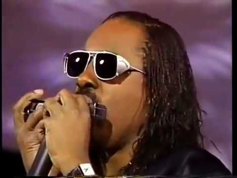 Stevie Wonder Dionne Warwick Gladys Knight That S What Friends Are For Grammy 1987 Youtube In 2020 Stevie Wonder Gladys Knight Grammy