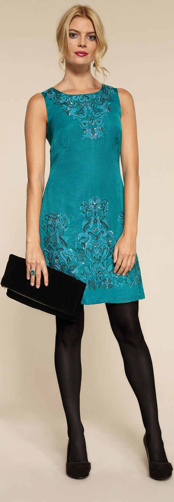Stylish clothes for women over 40