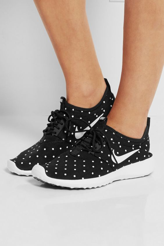 buy popular a57dd 1e227 ... Nike baskets juvenate chaussures femme 40 ...