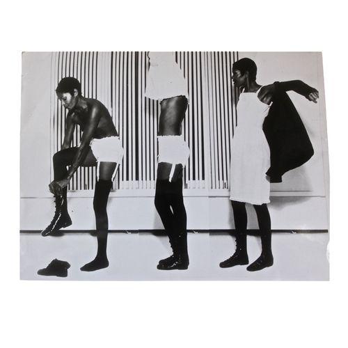 Press photo from Courreges winter 1976 collection Courreges en trois mouvements