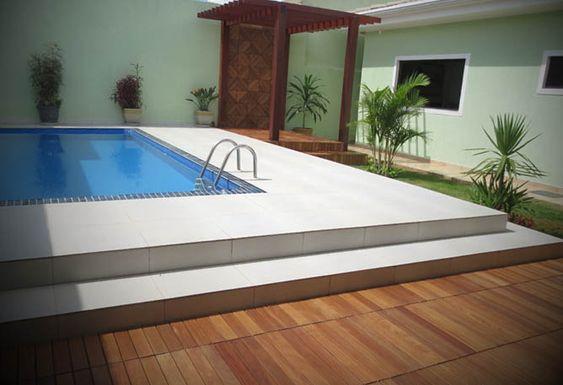 Piscina com Deck - http://www.dicasdecoracao.com/piscina-com-deck/