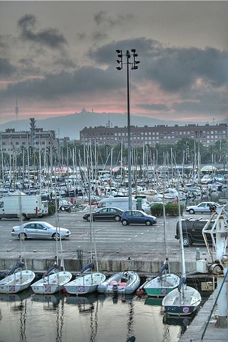 Puerto de Barcelona. Tibidabo al fondo. Cataluña. Galicia. Spain.