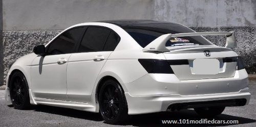 Modified Honda Accord 8th Generation 2 4l Sedan White Painted With Mugen Body Kit Black Roof Top And R Honda Accord Custom Honda Accord Coupe Honda Accord
