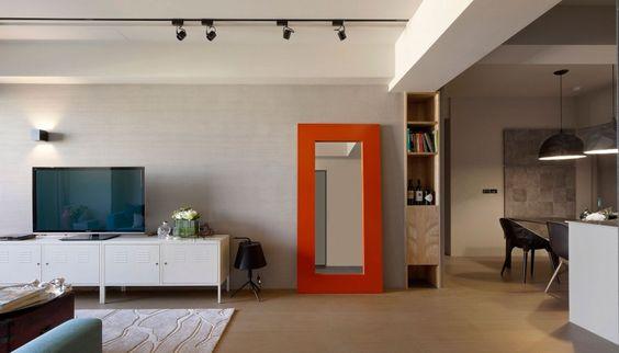 Mesmo com medidas reduzidas quem falou que não podemos abusar de texturas e cores vibrantes para deixar o apartamento chic e cheio de estilo?!