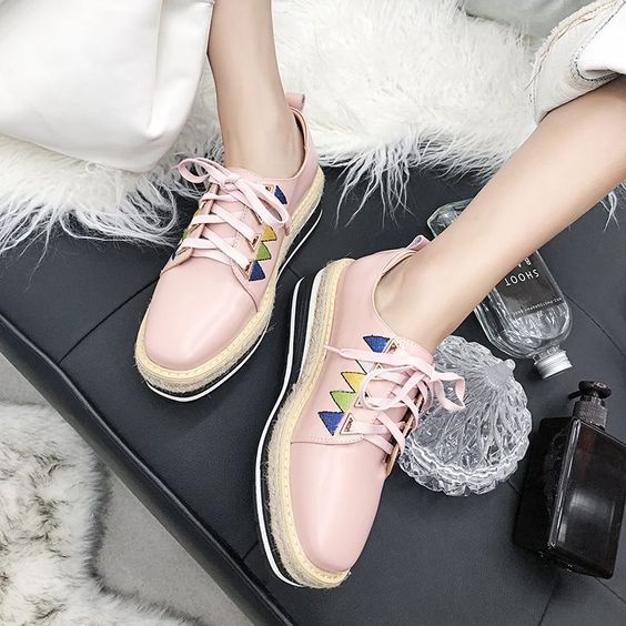 26 Comfort Shoes Every Girl Should Keep shoes womenshoes footwear shoestrends