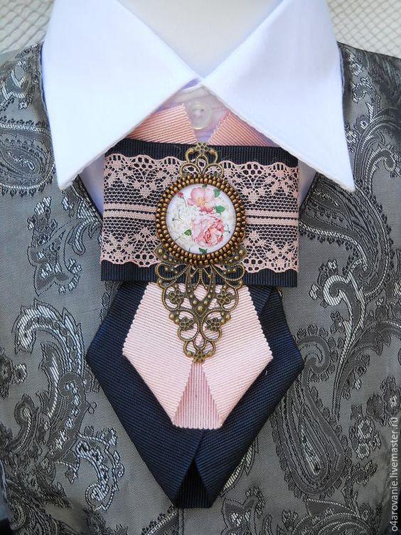 Купить или заказать Брошь-галстук'Нежная история' в интернет-магазине на Ярмарке Мастеров. Нежная и в то же время яркая брошь-галстук.Выполнена из Итальянской винтажной репсовой тесьмы.Такой галстук украсит любой Ваш наряд и придаст Вам стиль и индивидуальность. Так же может стать замечательным подарком Вашим близким .