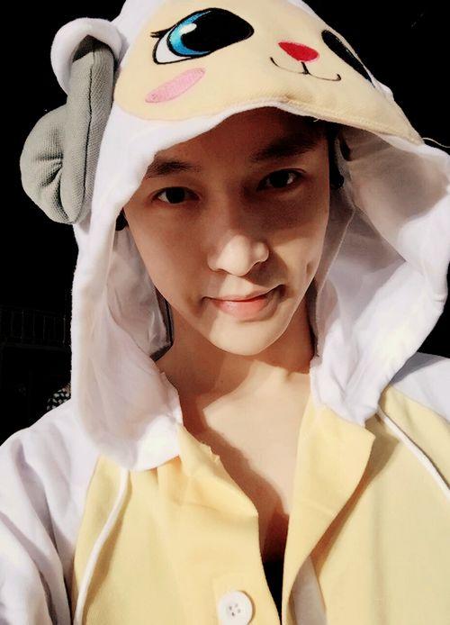 레이 / Lay - 张艺兴 / Zhāng Yì Xìng EXO | Baekhyun | Chanyeol | Chen | D.O | Kai | Sehun | Suho | Xiumin | Luhan | Kris | Tao