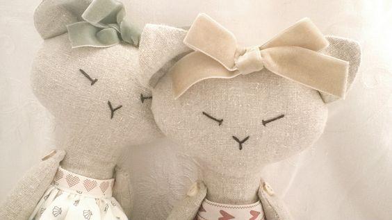 Handmade dolls and animals by Taffettà.  www.etsy.com/uk/shop/taffetta
