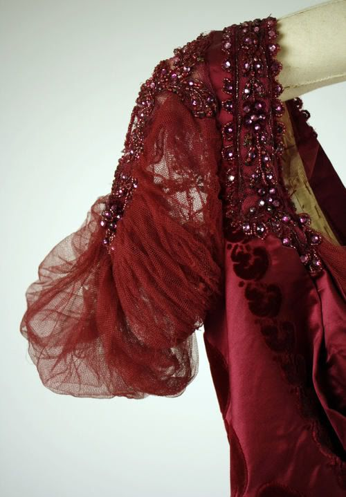 1910 ~  Cranberry Chiffon Evening Dress with Black Beadwork by Worth .... now in the Metropolitan Museum of Art, New York ....