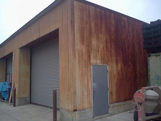 Corrugated Metal Roofing Used As Vertical Siding On A House Yahoo Image Search Results Metal Building Designs Vertical House Siding Corrugated Metal Roof