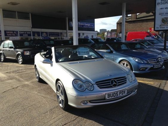 SILVER MERCEDES-BENZ CLK CLK320 AVANTGARDE CONVERTIBLE Year 2005 Petrol Engine Automatic Gearbox Mileage 75356. For more information visit http://www.thetaverngarage.co.uk/used-car-mercedes-benz-clk-convertible-54
