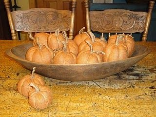 orange burlap pumpkins - made like a yo-yo.  How to....