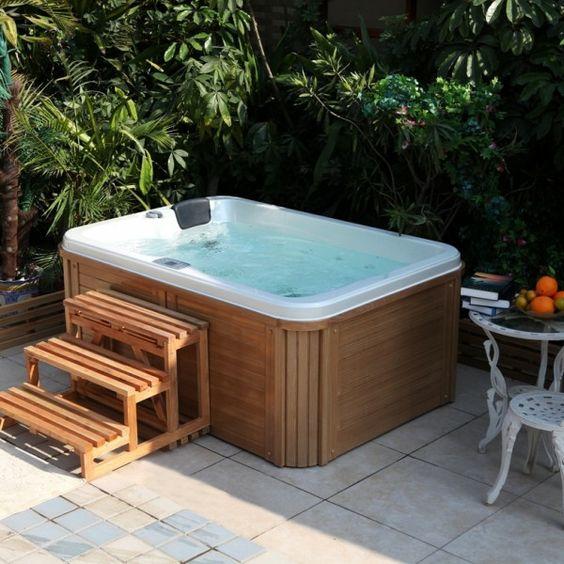 Superb whirlpool im garten in der ecke Whirlpool und Outdoor Duschen Pinterest Outdoor living and Gardens