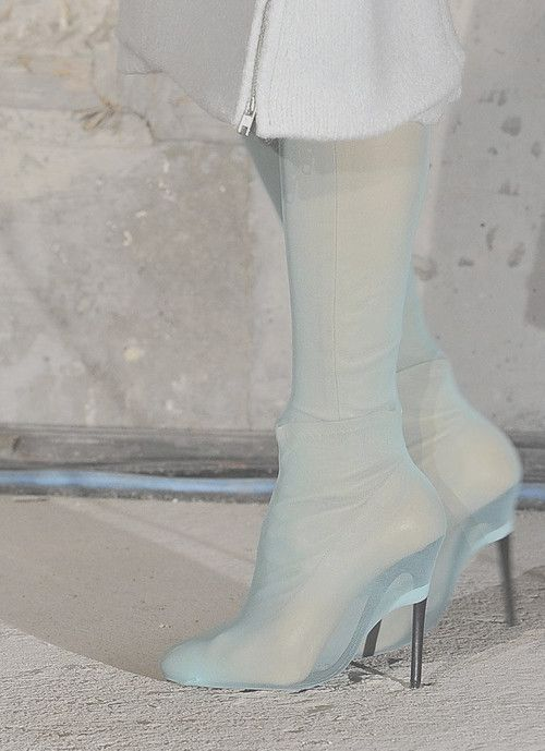 Maison Martin Margiela Fall 2011 Ready to Wear