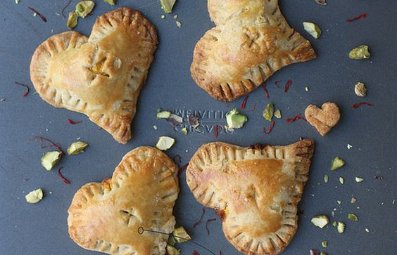 Almond and saffron valentine pies - Mytaste.com
