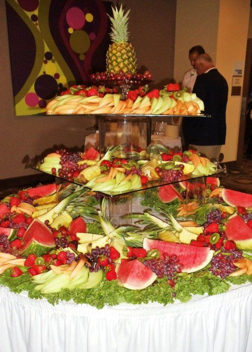 use lettuce for fruits to go on Fruit Tables for Weddings | fruit ...