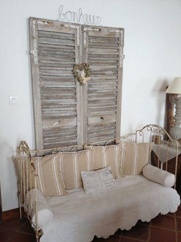 Maison de famille derri re les volets pinterest - Decoration de charme chic ...