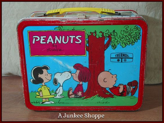 PEANUTS 1973 Lunch Box Charlie Brown Snoopy Lucy Linus Patti No Thermos Used Junk 943  http://ajunkeeshoppe.blogspot.com/