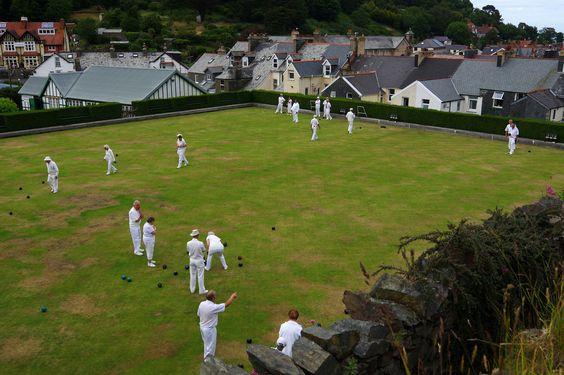 It's afternoon game time in Lynton, Exmoor par Gregor  Samsa