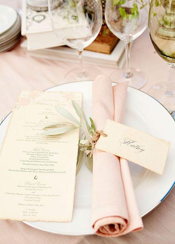Inspiración Bodas: Ideas de presentación del menú originales / Original wedding menu ideas