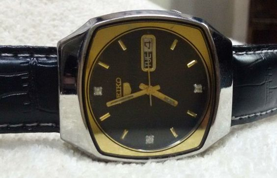 Vintage Seiko 5 Automatic Day-Date 17-Jewels Men's Wrist Watch AS-14