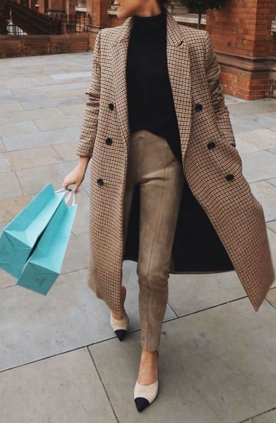 Plaid camel coat + camel pants + black sweater + Chanel heels #streetstyle #womensfashion #ootd