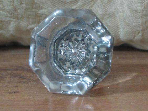 GLASS DOOR KNOB Antique Single Side With Steel Coated Base Attachment  1.8P722B48717JUNK0260,61   http://ajunkeeshoppe.blogspot.com/