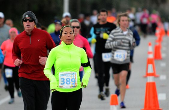 Suncoast Half Marathon | Photo Galleries | HeraldTribune.com