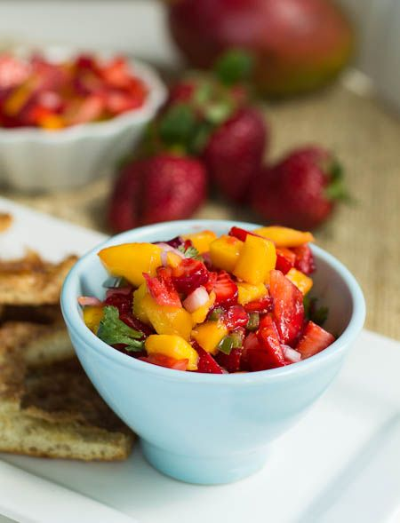 Strawberry Mango Salsa with Cinnamon Pita Chips | What would you bring ...