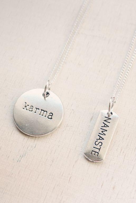 Budskapshalsband i silver – Karma & Namaste | Foxboheme