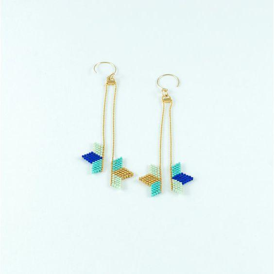 Boucles d'oreille plaquées or et tissage de demi étoile bleu doré turquoise en perles miyuki