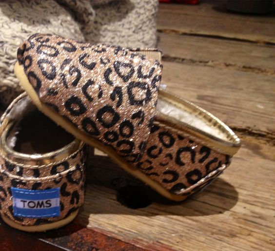 Baby TOM's omg baby shoes are the cutest..someday when I have a girl!!