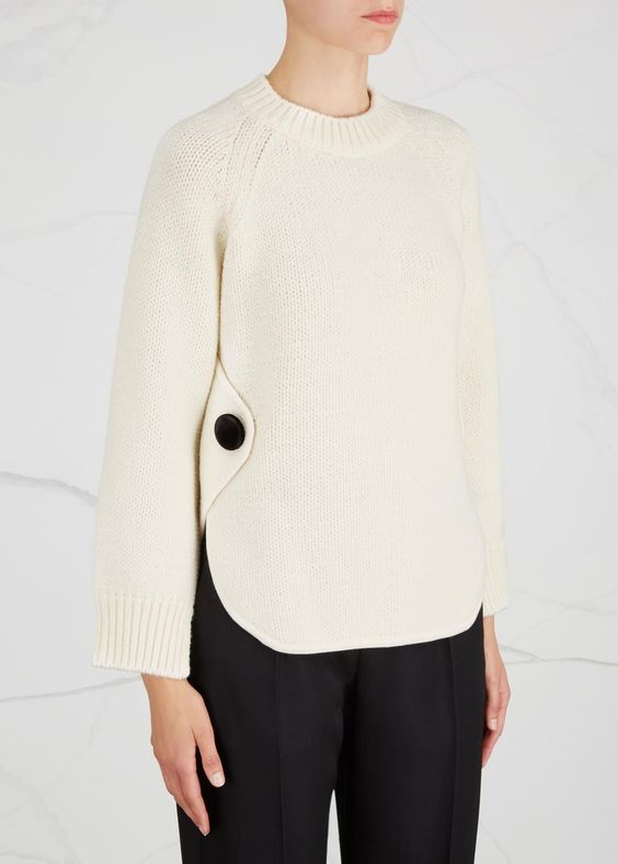 Sportmax cream chunky-knit wool blend jumper Wide raglan sleeves, black velvet button details at sides, side vents, ribbed trims Slips on 76% wool, 24% polyamide; trims: 90% viscose, 10% polyester