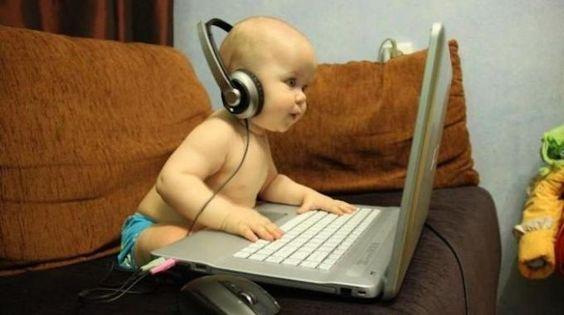 Vous avez envie d'écouter de la musique aujourd'hui ? Mais si vous êtes comme moi, vous n'avez pas envie de sortir votre porte-monnaie pour autant. Alors voici notre sélection des meilleurs sites pour écouter en ligne de la musique sur votre PC ou Mac.  Découvrez l'astuce ici : http://www.comment-economiser.fr/ecouter-musique-gratuitement-ordinateur.html?utm_content=bufferb5003&utm_medium=social&utm_source=pinterest.com&utm_campaign=buffer