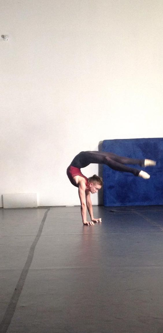 Jillian St Germain - Hybrid Movement Co. NYC.  https://www.facebook.com/pages/The-Hybrid-Movement-Company/119336026671?fref=photo