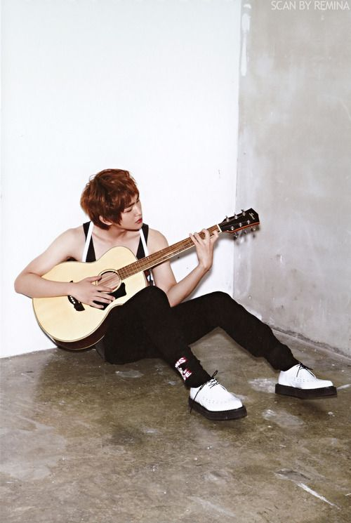 Onew so damn sexy here
