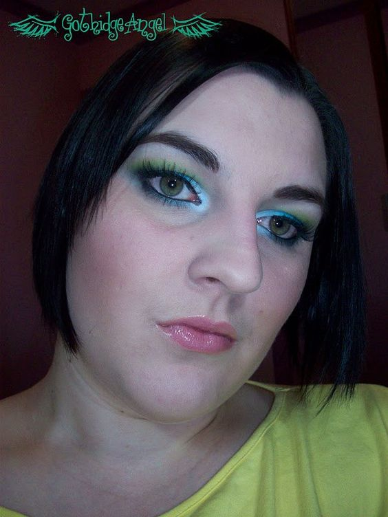 Makeup Monday - Green and Aqua Doll Eyes Look [Dec '09]
