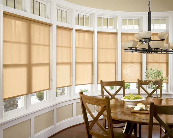 Жалюзи натуральных тонов в декорировании окон. #blinds #rollershades #window #blinds #interior #спальня #шторы #жалюзи #декорокна #рулонныежалюзи