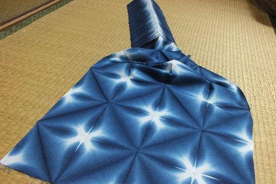 Itajime shibori (Sekka shibori), one of shibori indigo dye techniques.