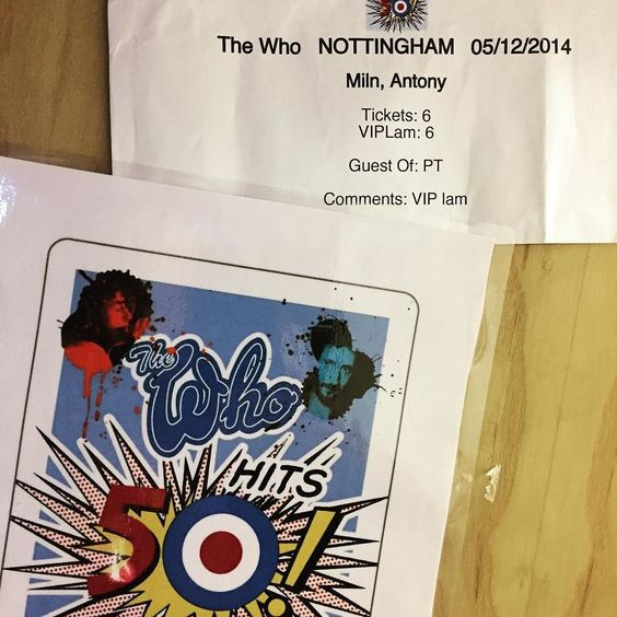 Two years ago we delivered an Echorec 2 to Pete Townshend backstage at The Who gig in Nottingham - he comped the whole office (plus a couple of our techs) and chatted with us in his private dressing room after the show.  He told me he'd wanted a Binson ever since seeing Pink Floyd at the UFO club in 1967 - 'Syd played a chord into the Binson turned up the feedback and the band jammed along for an hour...' An evening none of us will ever forget: thanks Pete. I hope your Binson continues to…