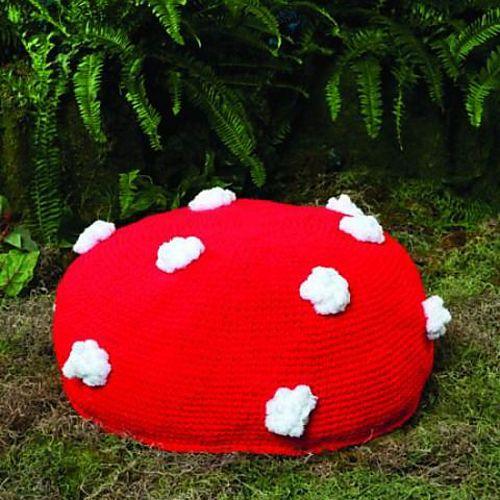 Ravelry: Mushroom Pouf pattern by Linda Cyr