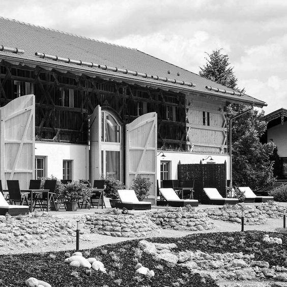 zimmermannskunst und tradition erleben im urlaub auf dem bauernhof staller ferienwohnungen. Black Bedroom Furniture Sets. Home Design Ideas