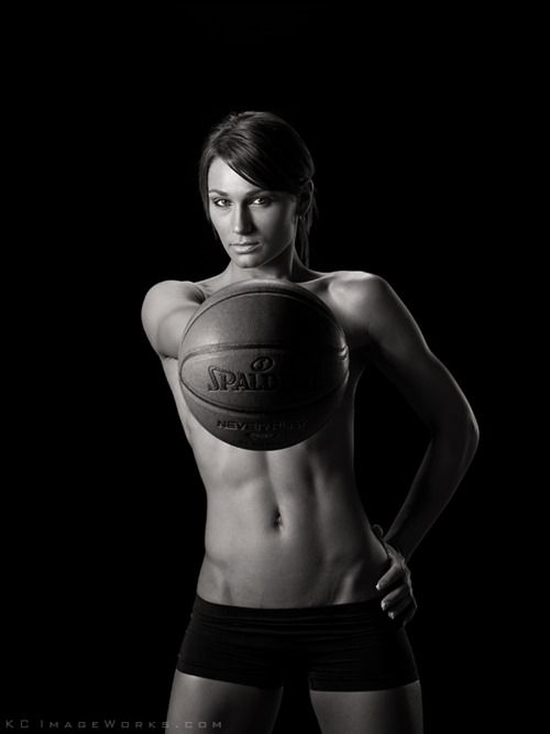 Strength is so sexy. i love looking at photos like this, they make me feel full of motivation and self love.