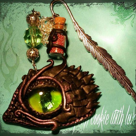 a dragon eye bookmark, perfect for little fantasy book lovers Ein Drachenauge Lesezeichen, perfekt für Fantasy Liebhaber