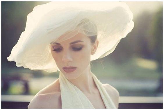 Cappello da sposa a tesa larga