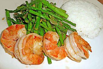 Garnelen mit grünem Spargel und Austernsauce