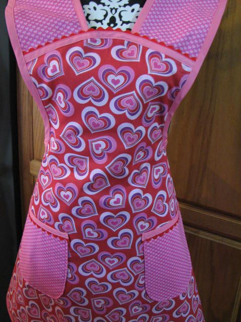 Hey, I found this really awesome Etsy listing at https://www.etsy.com/listing/192474438/lots-of-hearts-full-apron