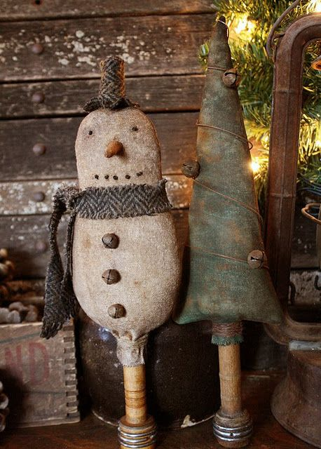 Prim Grungy Snowman and Tree Make Do's.  AWESOME!!!  LOVE!!