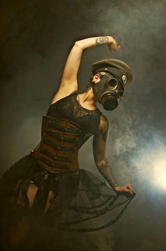 post-apoc gasmask ballet. ooh!