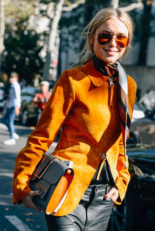 Street style - Gafas de sol Rayban Aviator - Rayban Aviator sunglasses - Gafas de sol - Sunglasses - Sunnies - Shades - Orange sunglasses - Paris Fashion Week: